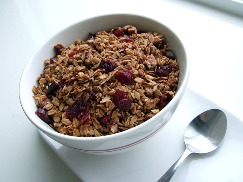 Apple Cinnamon Granola | Sondi Bruner