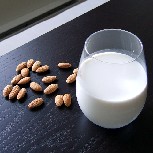Homemade Almond Milk 015