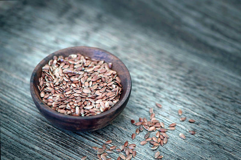 Is baking with flaxseeds dangerous?